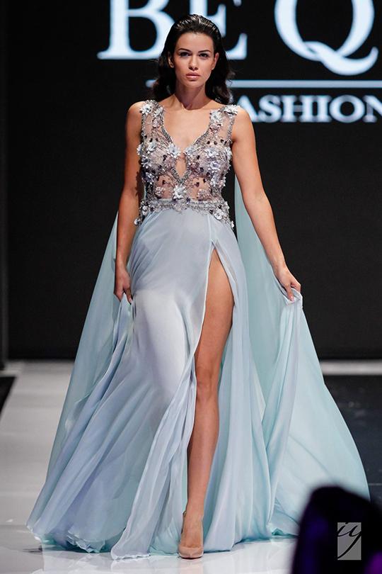 нежна бална рокля с 3d цветя и воали, ръчна изработка