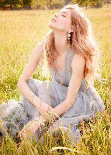 Бална рокля на американския бранд JLM Couture. Открий мечтаната абитуриентка, официална или бална рокля в Be Queen бутик София.