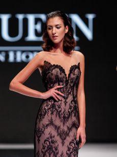 черна прилепнала дантелена рокля на Be Queen Fashion House