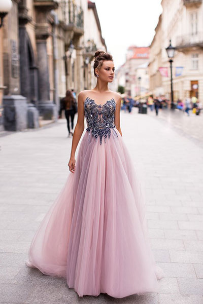 Бални рокли, абитуриентски рокли официални рокли, бутик софия